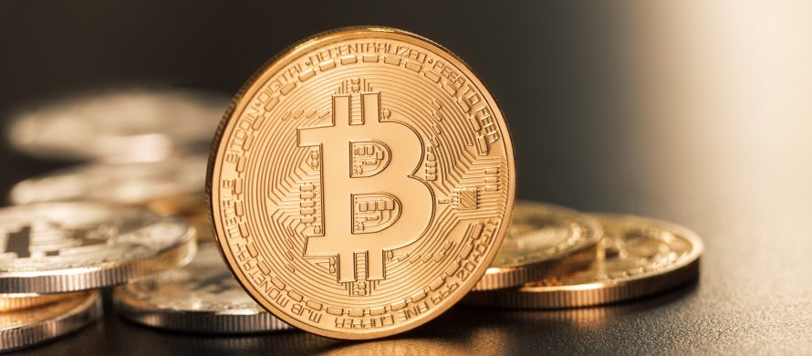 https://blog.de.erste-am.com/wp-content/uploads/sites/9/2018/01/iStock-493533569_Bitcoin_Kryptowährung-890x390.jpg